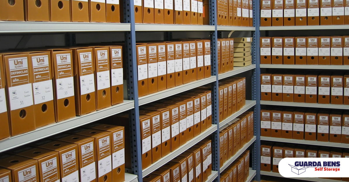 Self storage a alternativa moderna para realocar documentos